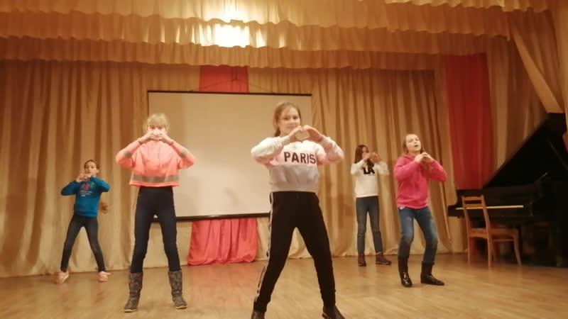 Девочки из 3 отряда.Танец Девочка в тренде. Алло, мы ищем таланты!