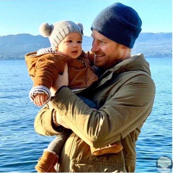 Меган Маркл и принц Гарри в честь Нового года опубликовали новое фото своего сына Арчи