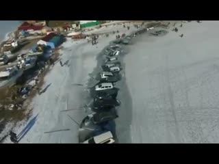 Владивосток 30 авто ушло под лёд