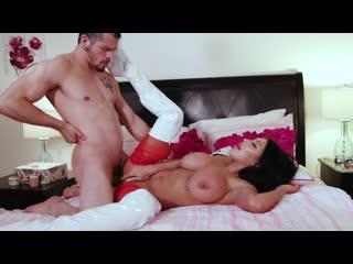 Naughty Nurse - August Taylor - Reality Junkies - October 04, 2019 New Porn Milf Big Tits