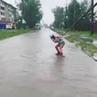 ВЕСЬ УЛАН УДЭ on Instagram Видео дня девушка прокатилась на вейкборде прямо по затопленной улице Иркутска Видео @alina dulova байкал живинаб