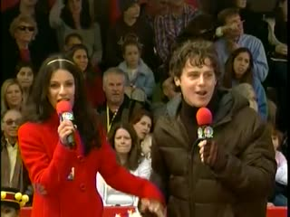 Macy's parade m&m's float w/jonathan groff and lea michele