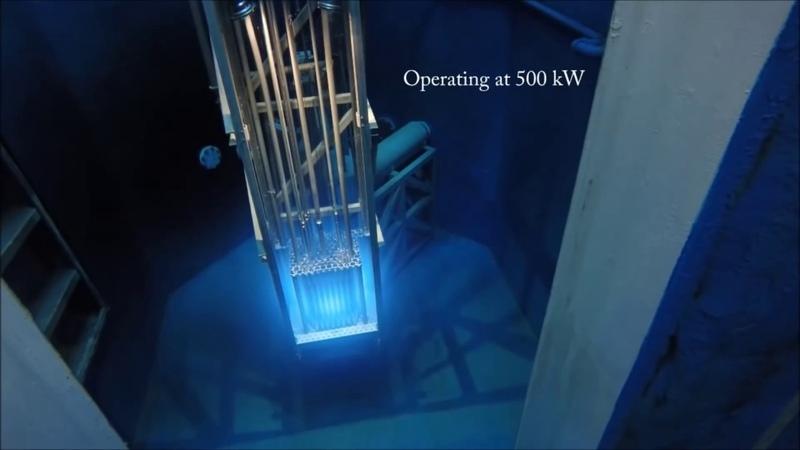 Запуск ядерного реактора Свечение Черенкова