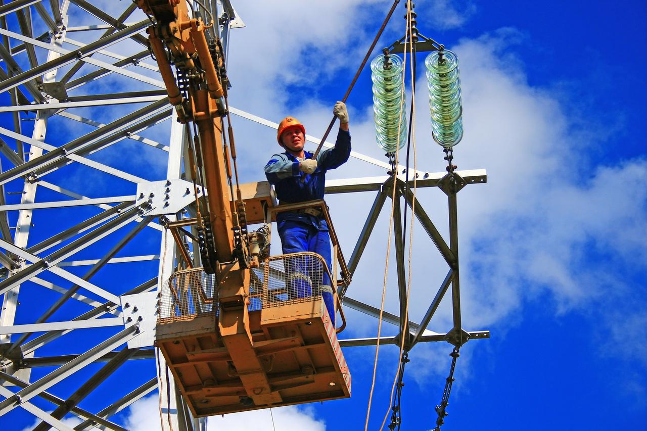 Энергетики опубликовали статистику по вчерашней непогоде и пообещали всё исправить