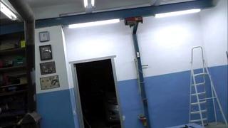 Очередное освещение рабочего гаража. Распаковка  нового инструмента.