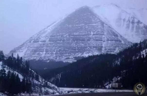ак связаны странные исчезновения с пирамидами под Аляской Аляскинский треугольник не дает покоя светилам современной науки. Количество исчезновений превышает 16 тысяч человек, не считая техники.