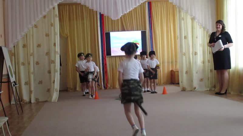мастер класс Спортивно музыкальное развлечение Один день в Армии в 51 детском саду 0537