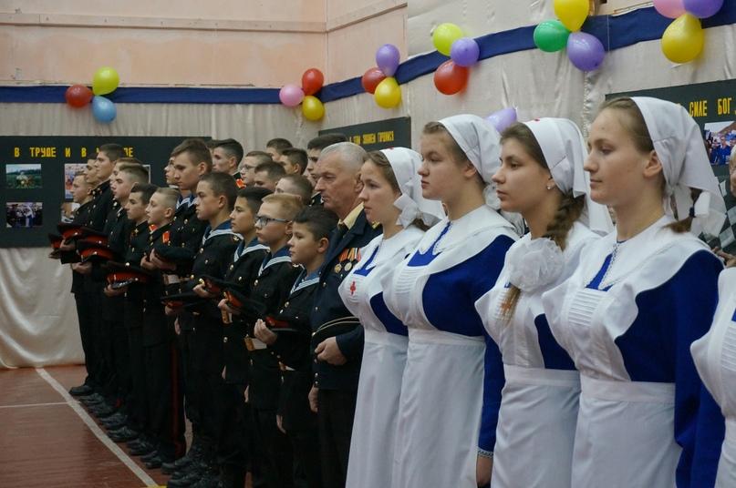 Сотрудники кинокомпании «Союз Маринс Групп» посетили Свято-Алексиевскую пустынь и присутствовали на присяге кадетов