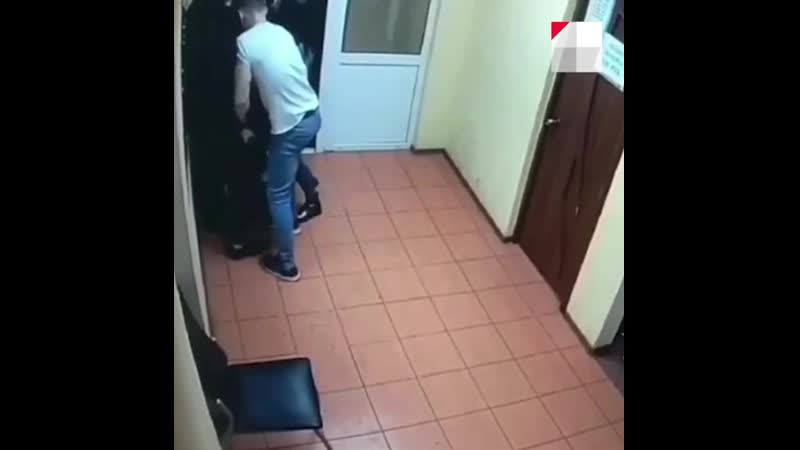 В Архангельском баре открыли стрельбу