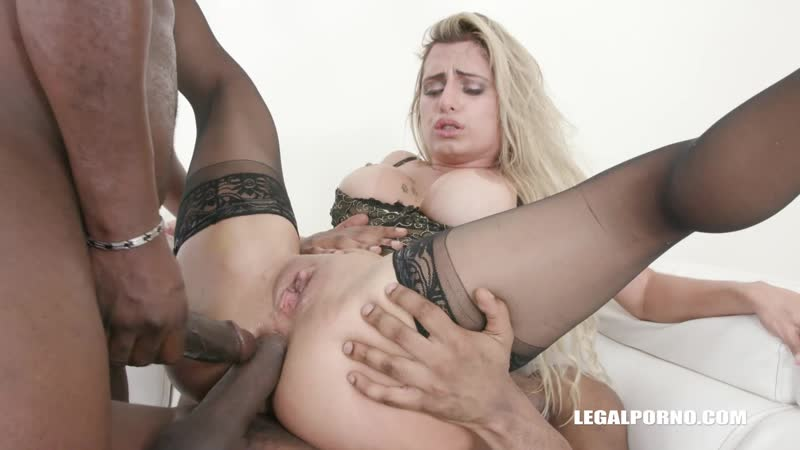 Mia Linz comes to test black bulls 1080P HQ