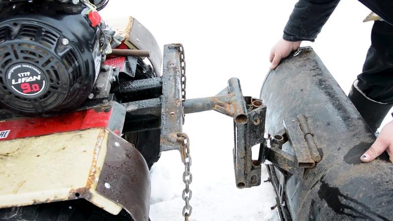 Мотоблок с отвалом мокрый снег Сельские будни