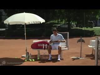 Roger federer plays the violin instead of tennis