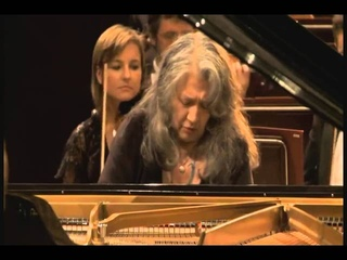 Martha Argerich - Chopin:  Piano Concerto No. 1 in E minor, Op. 11 (2010)