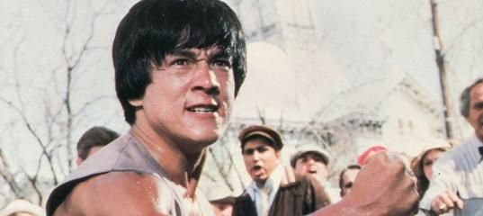Режиссеры «Малыша надрайве» и«Рейда» назвали 10лучших фильмов Джеки Чана | КиноРепортер
