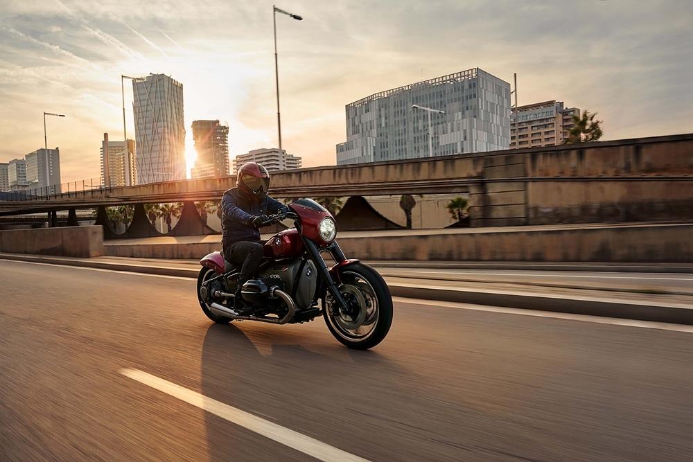 Мотоцикл BMW R18 Cruiser представят 3 апреля