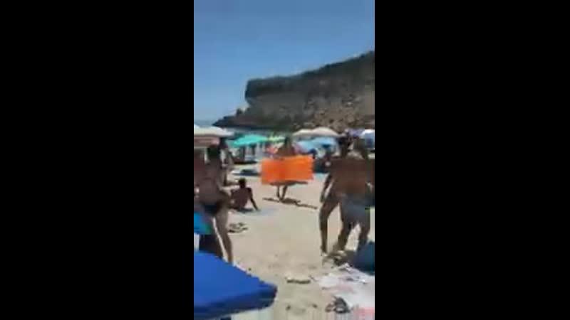 Lampedusa invasione in corso 🤚🏻🖤