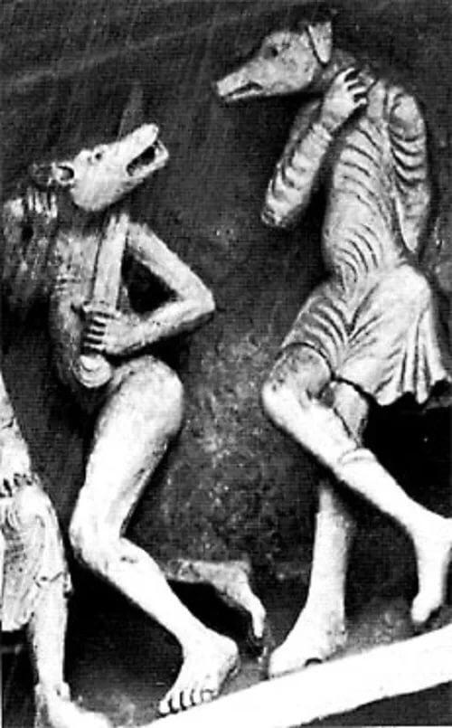 Псеглавцы на тимпане аббатства Сен-Мадлен в Везеле (Франция), XI-XII века.