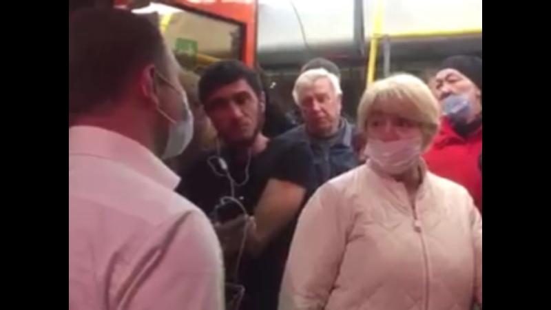Замминистра транспорта Ростовской области проехался в переполненном автобусе в Волгодонске