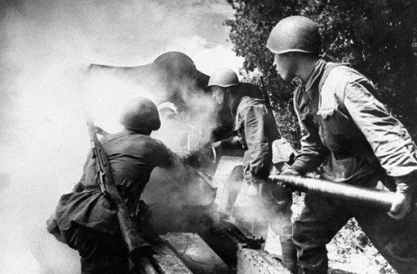 При анализе второй мировой войны американские военные историки обнаружили очень интересный факт А именно, при внезапном столкновении с силами японцев американцы, как правило, гораздо быстрее