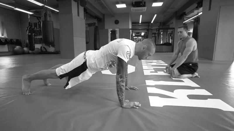 Шесть видов отжиманий от пола для боксеров, программа отжиманий для бойца
