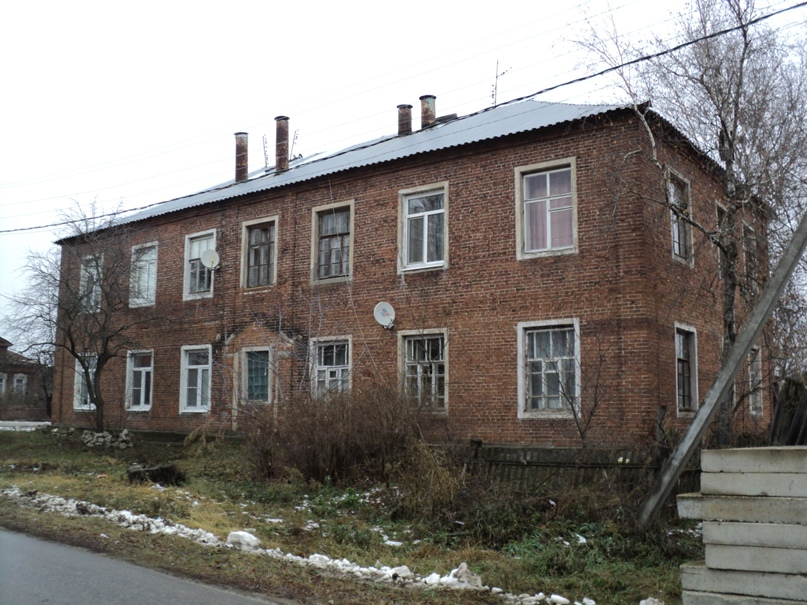 Типовая советская жилая архитектура 50-х годов в Белоомуте., изображение №35