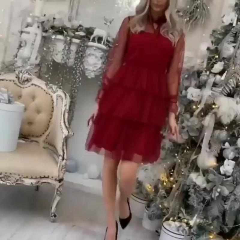 🎄New Year Collection ⚜️Крутое красное платье ✅Размеры 42, 44, 46, 48 💵Цена 3400 руб ✔️Фото сделаны вживую на модели. Парам