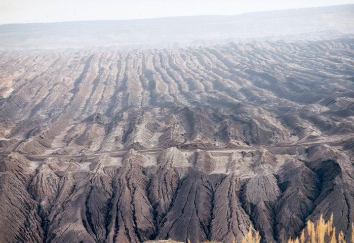 Земля один огромный древний карьер, изображение №75