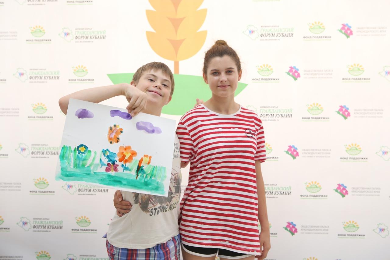 3 июля в Ресурсном центре поддержки гражданского общества Кубани прошли 2 мастер-класса в рамках проекта «Творческая мастерская Подсолнух» (№ 21-2-006243) при поддержке Фонда президентских грантов!