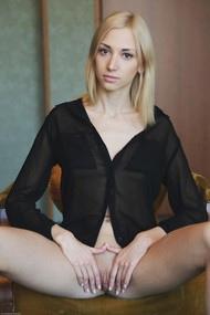 Anna Lee