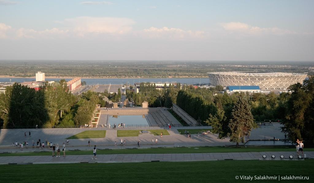 Панорама Волгограда с постамента статуи Родина-Мать зовет