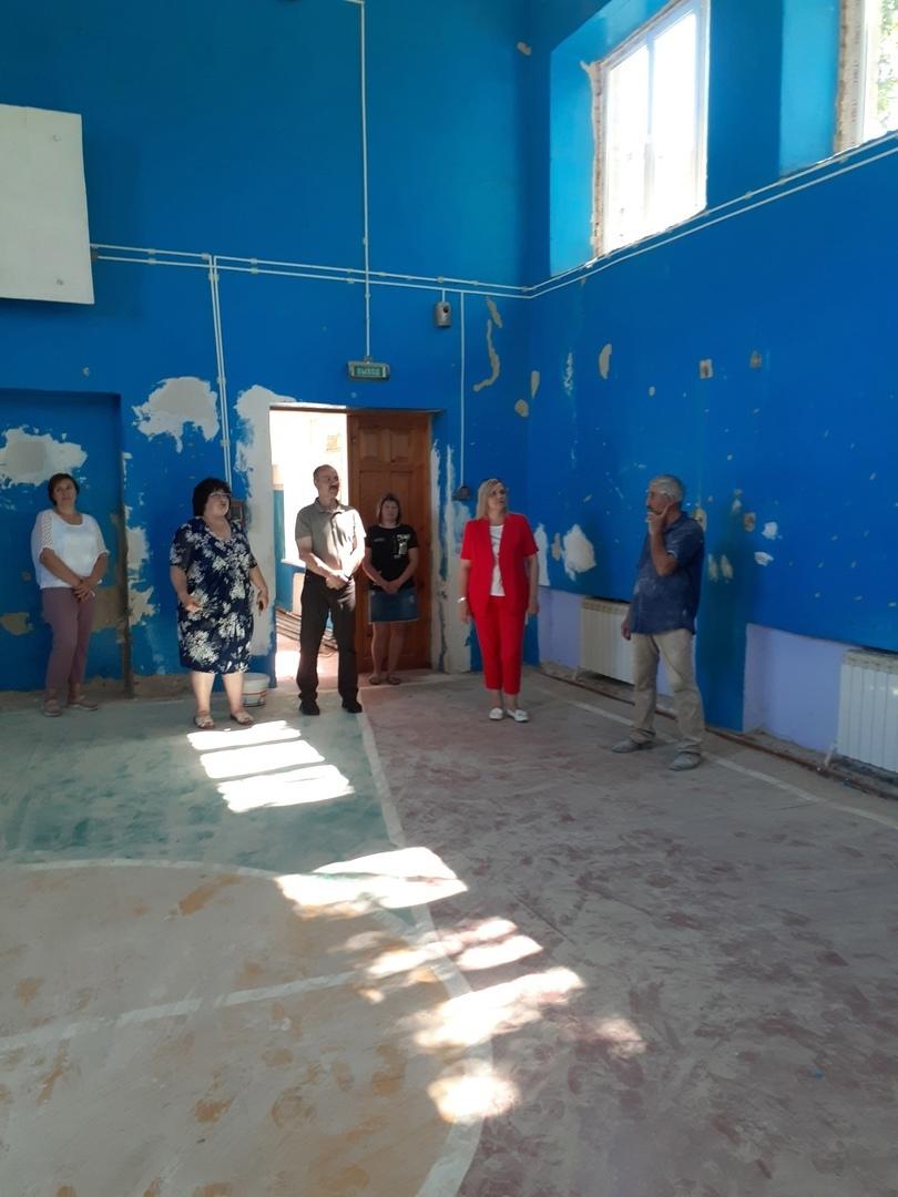 Начался ремонт спортивного зала школы села Кожевино