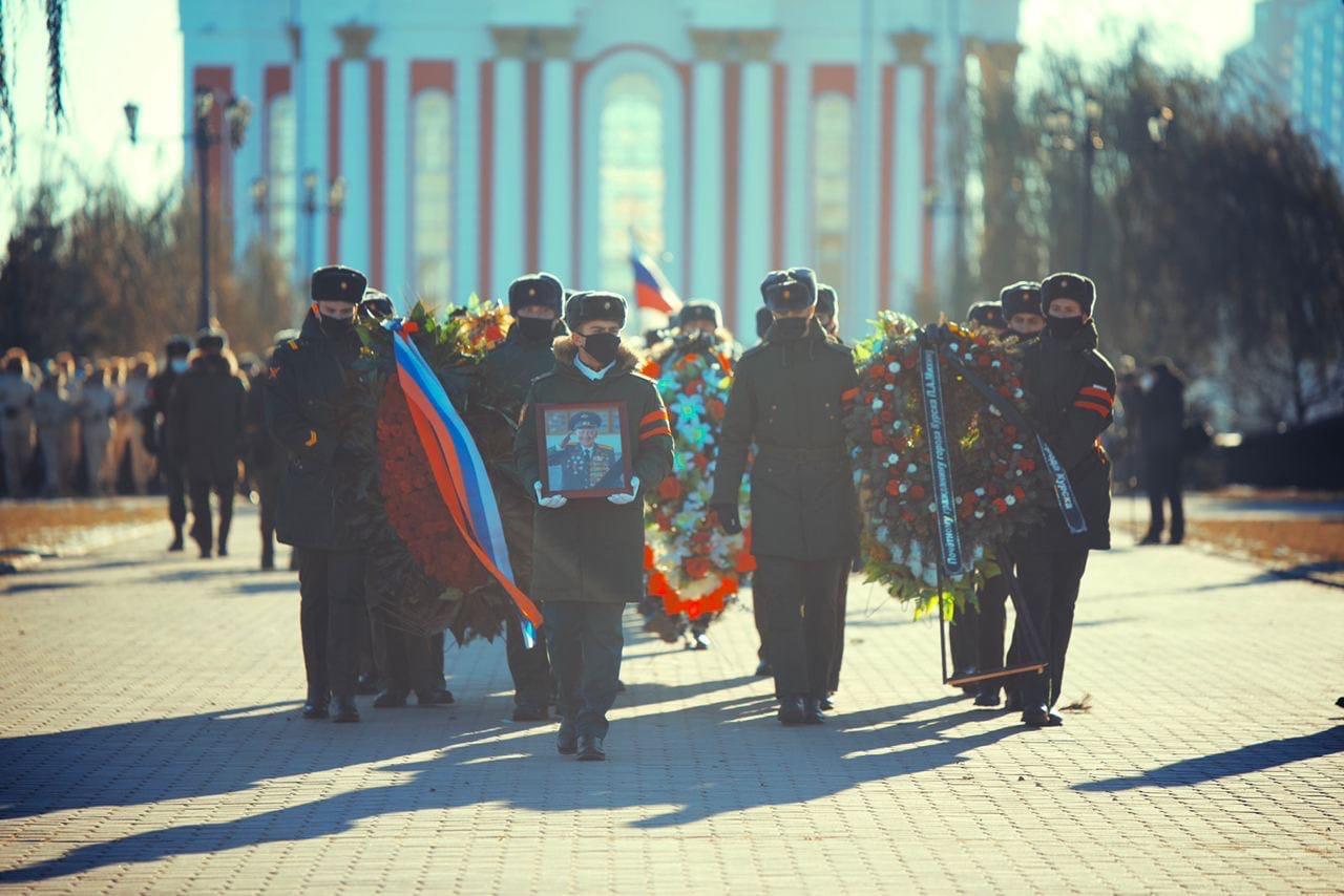 В Курске простились с ветераном Петром Михиным