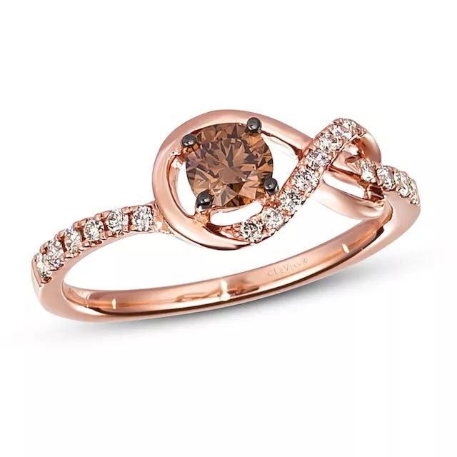 otOLemYGyNU - Шоколадные бриллианты в обручальных кольцах - звучит мечтательно