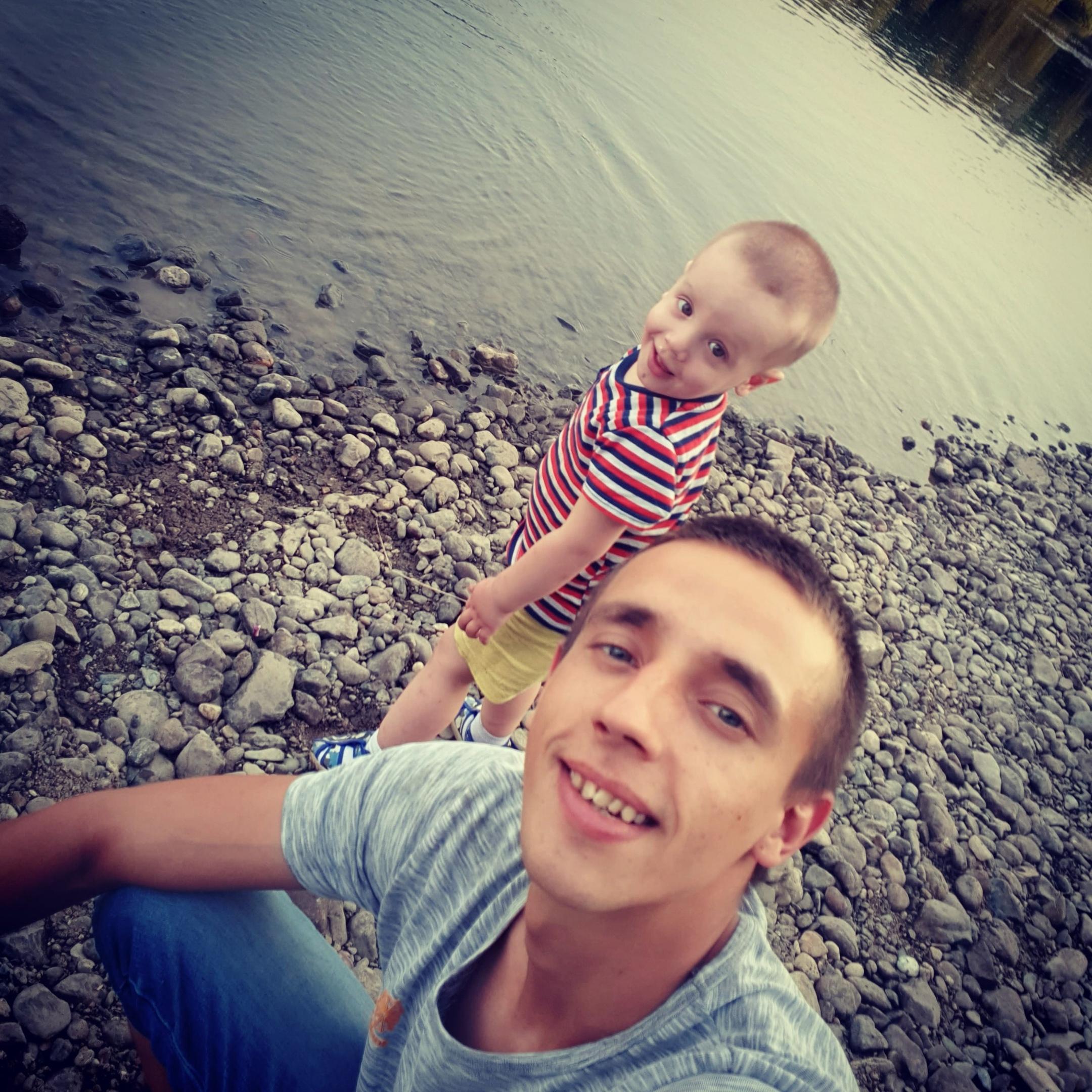 Леонид, 26, Osinniki
