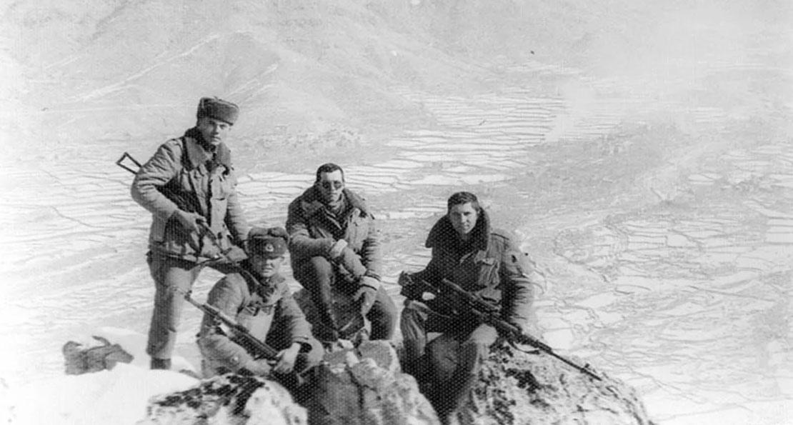 Солдаты в ущелье
