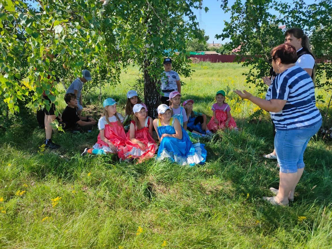 В сёлах Петровского района прошли фольклорные праздники
