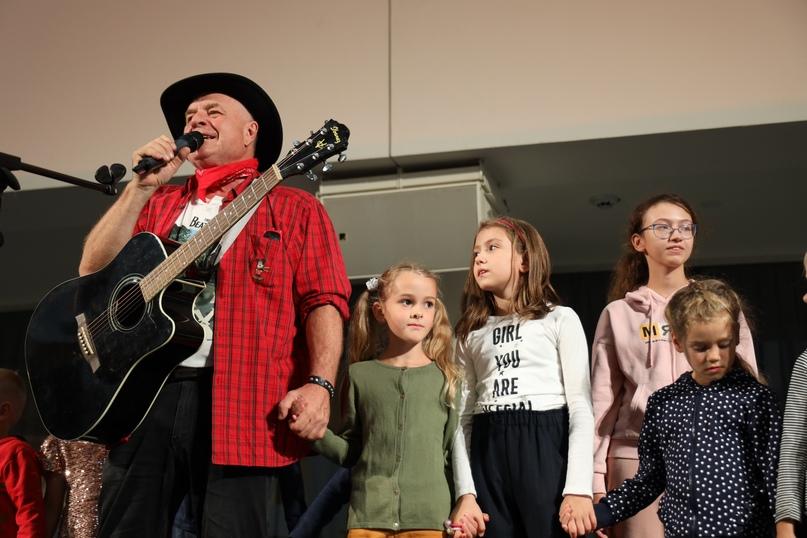 4 сентября в Ельцин Центре выступил Григорий Гладков. На своих концертах известн...