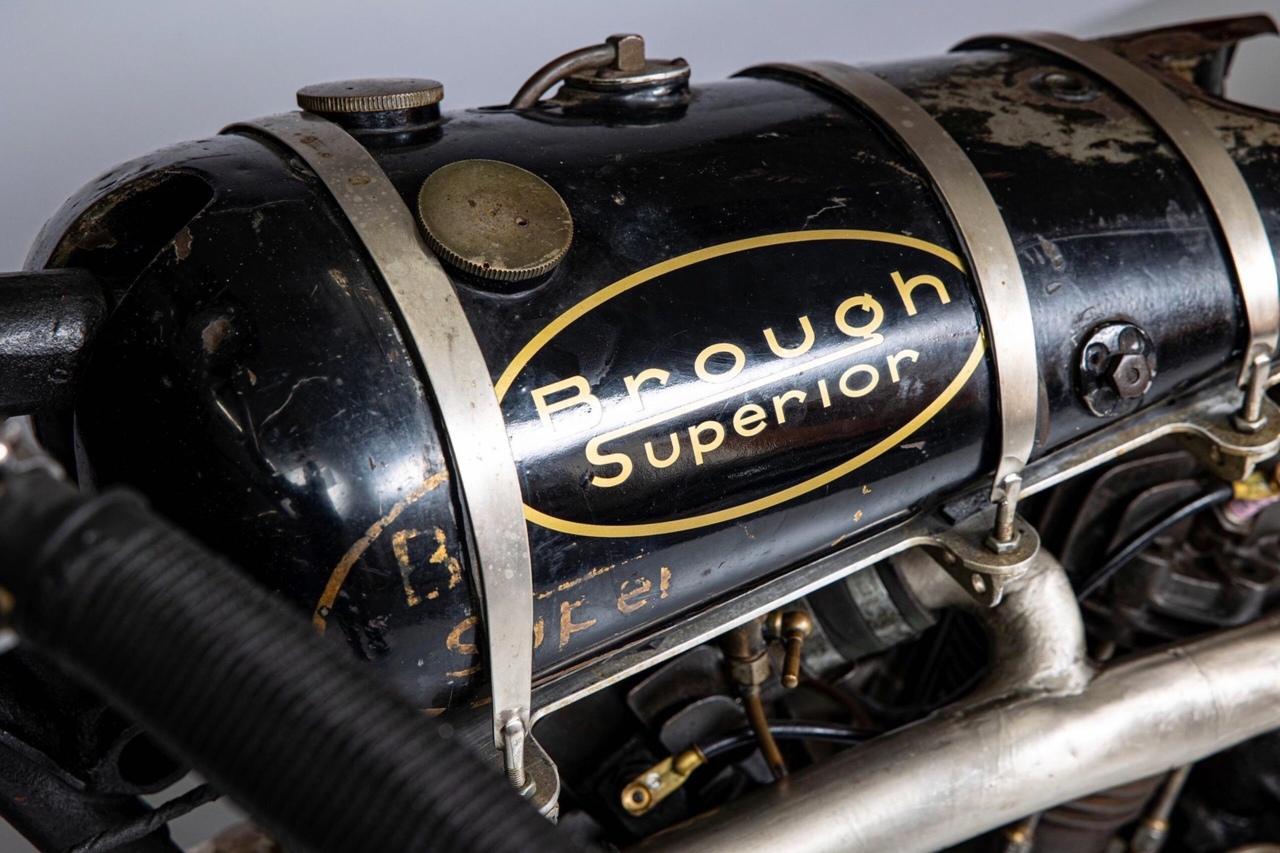 Эван Кэмерон: кастом Brough Superior SS100