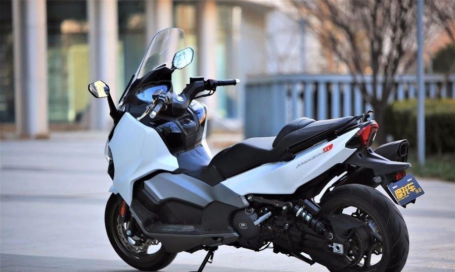 Макси скутер SYM TL500