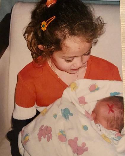 Майли Сайрус трогательно поздравила сестру Ноа с 21-летием. Фото!