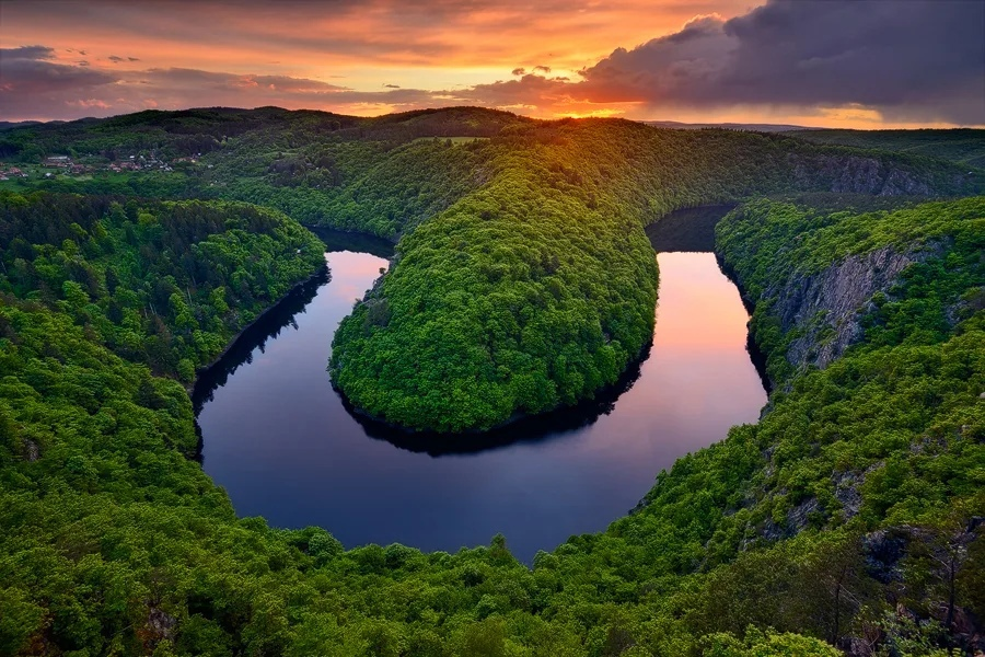 Река — символ, который означает плодородие, движение и очищение.