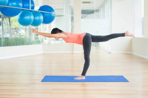 Как облегчить боль в спине с помощью упражнений на равновесие на одной ноге, изображение №6