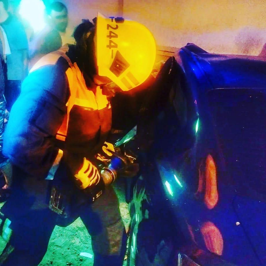 В прошлую пятницу спасатели 244-й пожарно-спасательной части #Мособлпожспас ликвидировали последствия дорожно-транспортного происшествия, которое произошло на Ильинском шоссе в Одинцовском городском округе 🚙💥🚗 ⠀ В результате лобового столкновения автомоби
