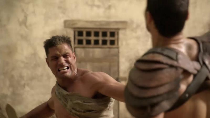 Крикс пытается доказать что он еще может сражаться Спартак Кровь и песок