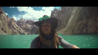 Казахстанская путешественница сняла ролик об удивительном озере Кель-Суу