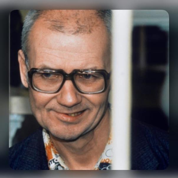 Интервью с Чикатило Месяц до смертной казни14 января 1994 год...Как с вами обращаются Хорошо. Уважительно. Чего ж нормально. Как кормят Да мне что, я привыкший уже всю жизнь по командировкам, по