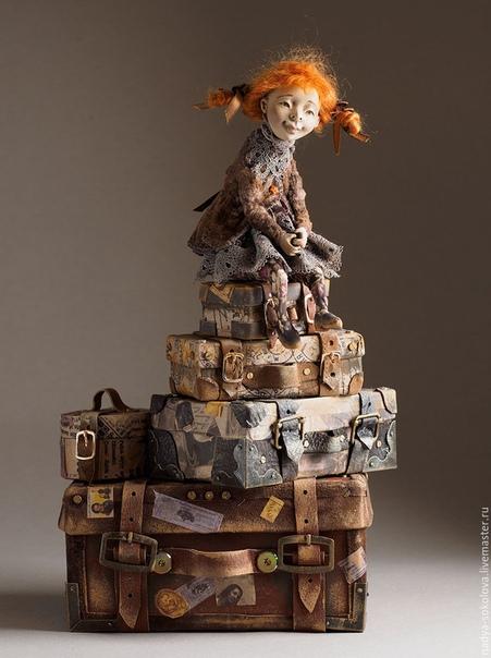 Авторские куклы Надежды Соколовой Надежда Соколова родилась в 1973 г, в г. Дрездене. Училась в Художественной школе г. Новгорода с 1986 90 гг. Надежда с отличием окончила рекламное отделение