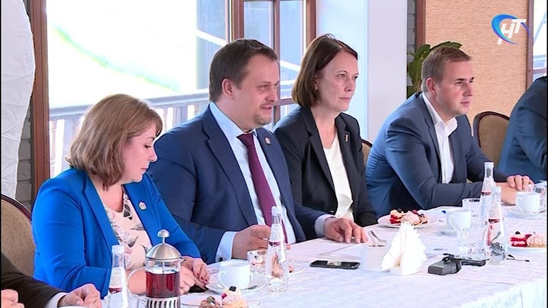 Андрей Никитин встретился с победителями проекта «Команда лидеров Новгородчины»