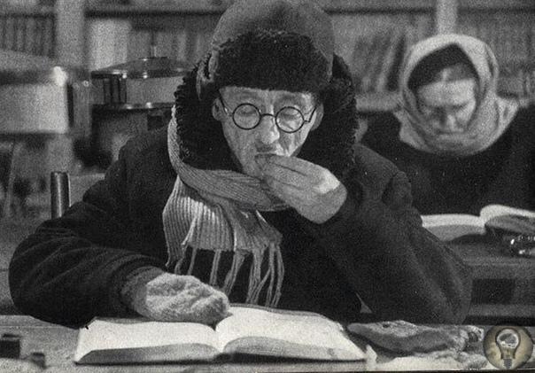 ДАРУЙ МНЕ МОЩЬ ТВОИХ БИБЛИОТЕК В летописи Великой Отечественной войны есть негромкая, но важная дата. 9 февраля 1943 года, когда исход войны был еще далеко не очевиден, ЦК ВКП(б) принимает