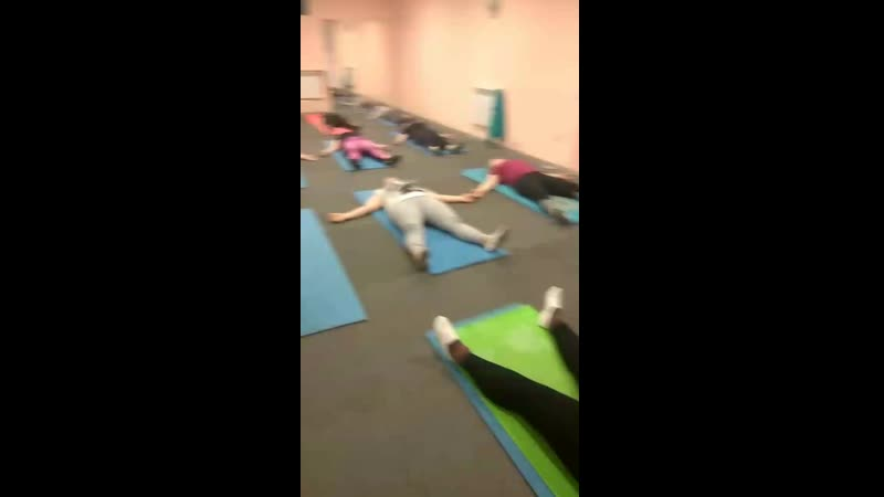 Релаксация после тренировки в позиции Шавасана